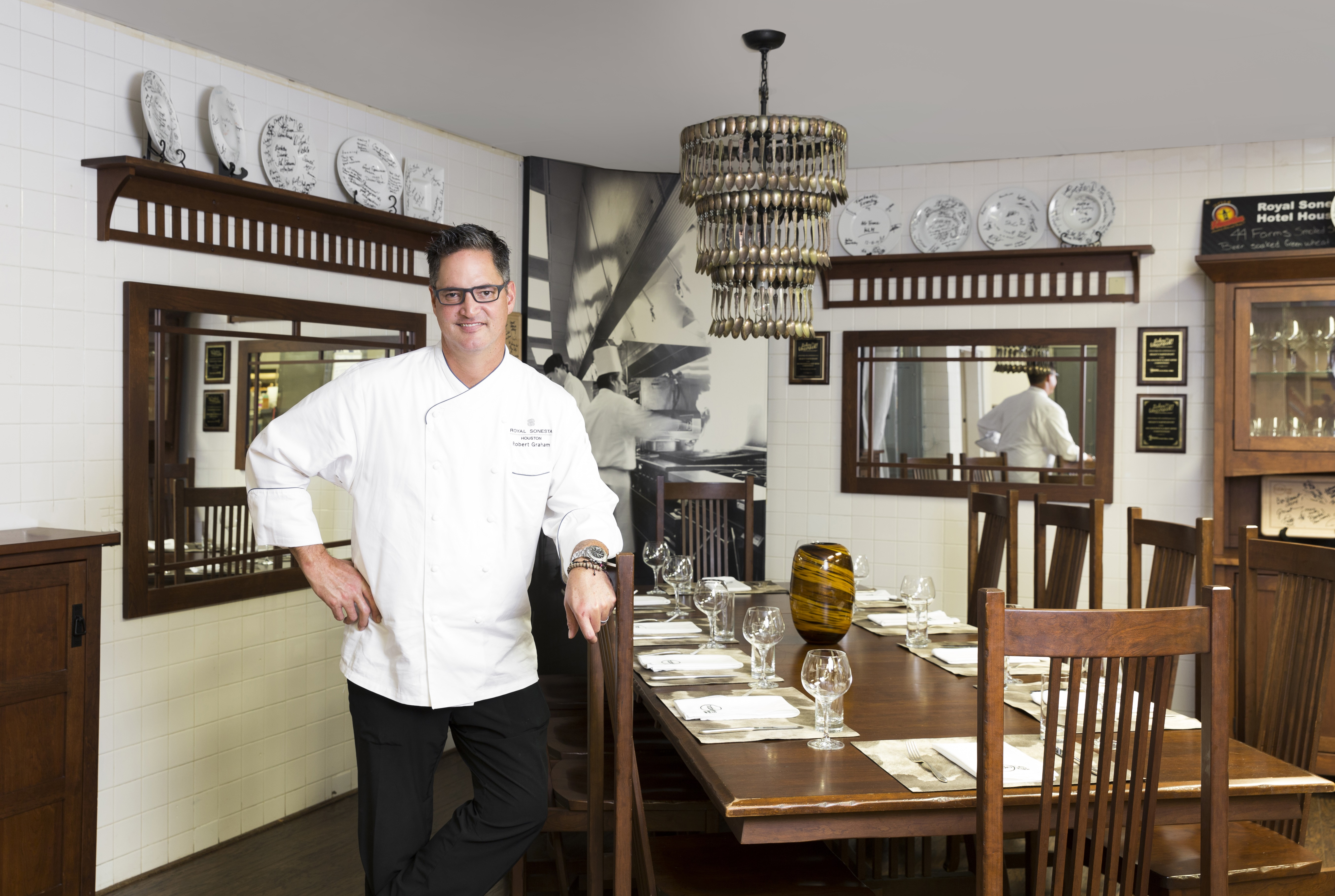 Chef Robert Graham in TableOne kitchen chef's table (002)